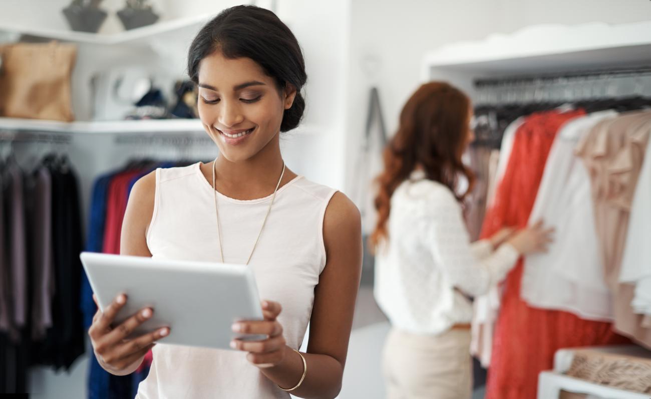 Retail bricks and clicks shopping